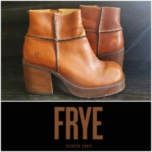 FRYE Villager Inside Zip Boots 8M